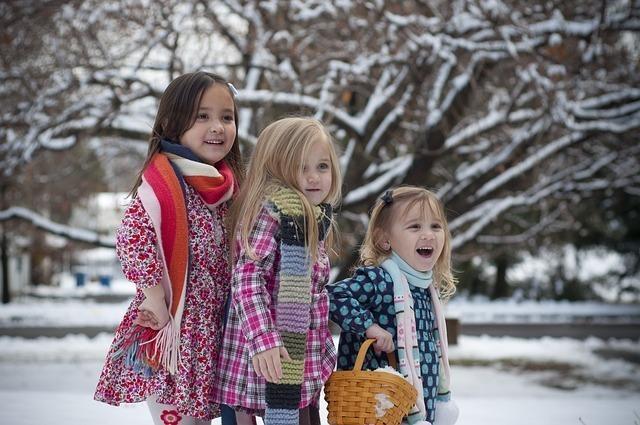 sisters-2210314_640.jpg